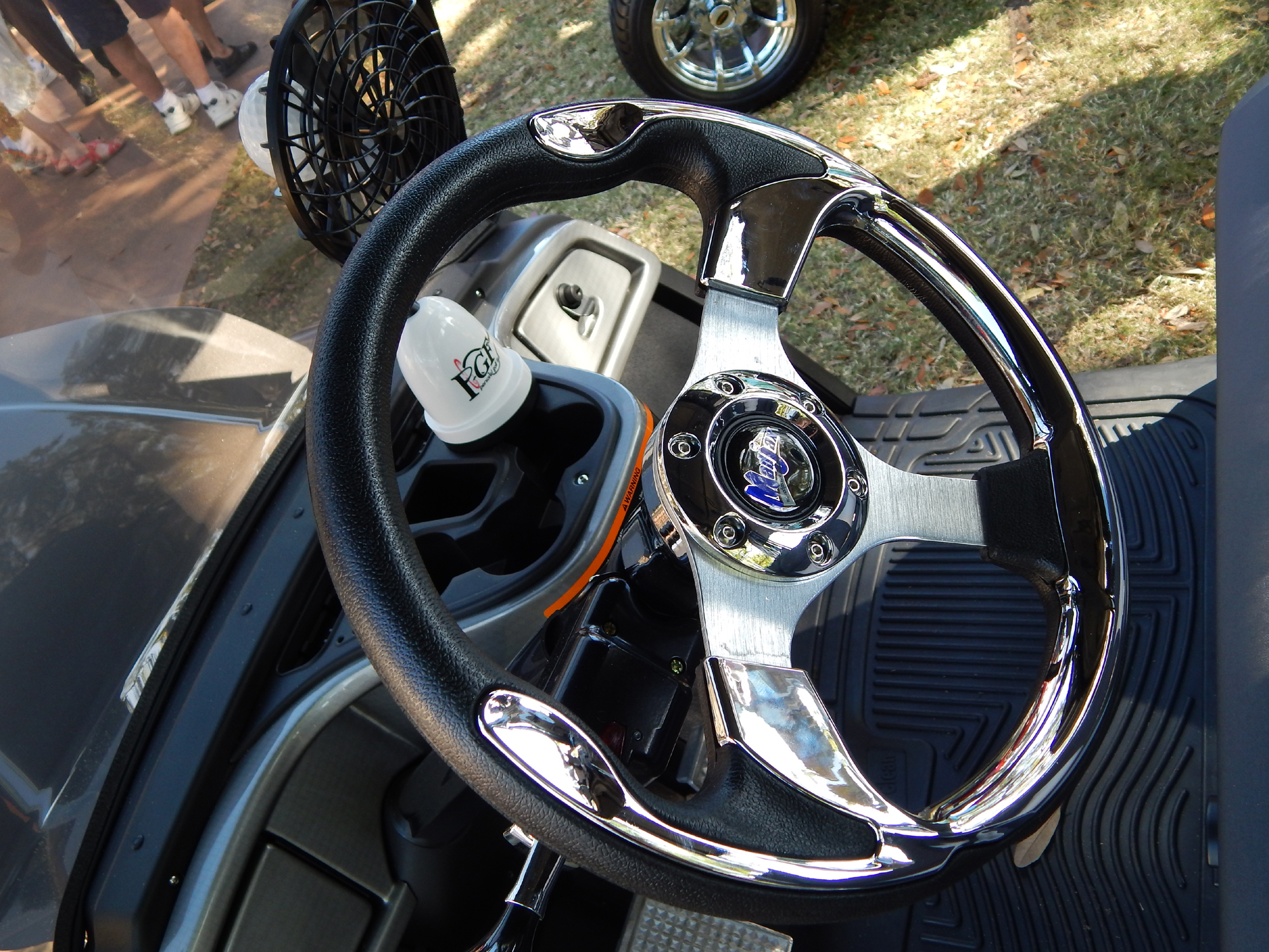2014 Yamaha Golf Cart with customized front end $13,000